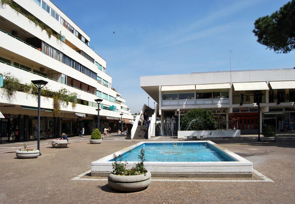 Centro commerciale le Terrazze foto di Mario Castellani da Panoramio ...