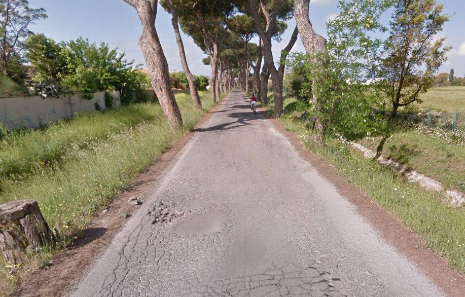 La via dei Pescatori in condizioni disatrose - Roma Marittima